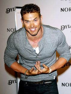 oh hello there, Kellan Lutz.