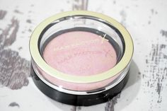 Review and Swatch of the Max Factor Lovely Pink Crème Puff Blush