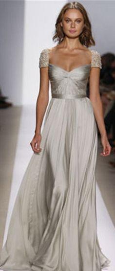 Farb-und Stilberatung mit www.farben-reich.com - silver dress