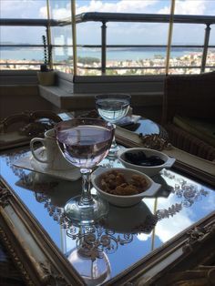 # - Food and Drink Coffee Break, Coffee Time, Healthy Eating Tips, Healthy Recipes, Luxury Caravans, Beautiful Roads, Romantic Photos, Vegetable Drinks, Wooden Tables