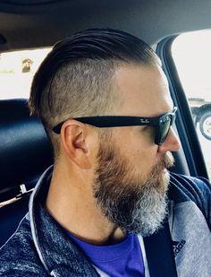 Undercut Fade Hairstyle, Fade Haircut, Slick Hairstyles, Top Hairstyles, Mens Hair Shaved Sides, Slick Back Haircut, Moda Men, Hair And Beard Styles, Hair Styles