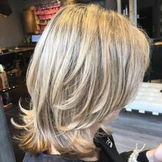 Two-Tier Medium Layered Cut styles for round faces long 2018 70 Brightest Medium Layered Haircuts to Light You Up Medium Length Hair Cuts With Layers, Mid Length Hair, Medium Hair Cuts, Medium Hair Styles, Curly Hair Styles, Hairstyles Haircuts, Braided Hairstyles, Hairstyle Short, Ladies Hairstyles