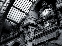 vintage black and white photos | Black and White Old Station Clock wallpaper | The Long Goodbye