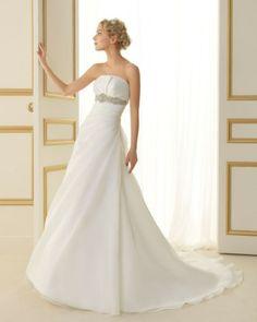 114 TANGO / Wedding Dresses / 2013 Collection / Luna Novias
