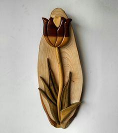 İntarsia/ahşap kakma lale
