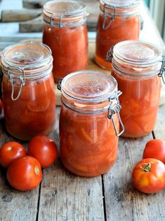 1 x 500g jar = 5 tomatoes = 100 calories maxiumum! PERFECT for the 5:2 diet - home bottled tomatoes that are low in calories and fat free! Bottling Tomatoes using the Water Bath Method: Step-by-Step Tutorial with Images & Recipe