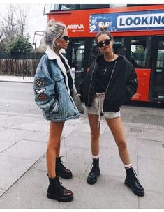 Images and videos of fashion Casual autumn outfit spring outfit summer Casual Summer Outfits autumn Casual fashion images Outfit spring Summer videos Street Style Outfits, Summer Fashion Outfits, Casual Fall Outfits, Mode Outfits, Urban Outfits, Spring Outfits, Winter Outfits, Casual Outfits, Travel Outfits