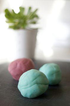 #naturalmommie play dough recipe