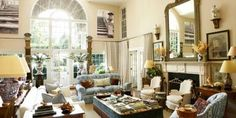 A renowned decorator imbues her summer house with an artful grace.