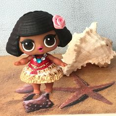 Lol surprise doll diva turned into moana #lol #lolsurprise #lolsurprisedolls #babydoll #baby #doll #moana #vaiana #custompaint #lolrepaint #lolrepaints #painting #painted #blackhair #tuesday #picoftheday #toyphotography #toyartistry #art #customdoll #artist #artistry #sand #shell #seashells #seashell #flower #girl #customlol #diva