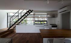 リビング・ダイニング・キッチン・階段
