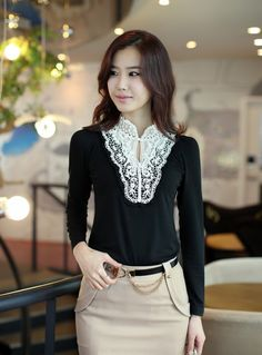 New Fashion Diamond Lace Color Block Hollow-out Blouse is very popular in these days. It's very easy to match with other clothes.The Diamond Lace design will make you more charming. Work Fashion, New Fashion, Korean Fashion, Viernes Casual, Ladylike Style, Business Chic, Embellished Top, Blouses For Women, Style Me