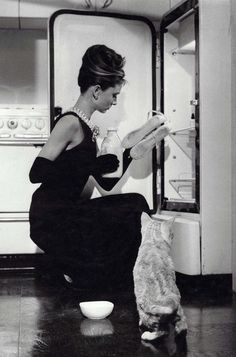 * Holly Golightly with her cat named Cat~~ Breakfast At Tiffany