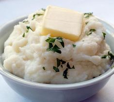 Garlic Mashed Cauliflour No-Tatoes  //  This highly nutritious cauliflower based dish is a great substitute to high carbohydrate mashed potatoes.