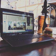 www.thehookahbitch.com Ужин в хорошей компании #Russia #astrakhan #30 #laptop #asus #beer #hookah #shisha #sputnikipogrom #burger #kultbar #cult #bar #dinner #company by maximilianius
