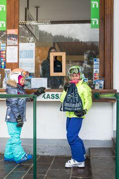 Winter, Skiing, Baseball Cards, Ice Climbing, Ski Trips, Sled, Ski, Winter Time, Winter Fashion