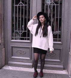 H&M Sweatshirt, H&M Hat, Stradivarius Skirt