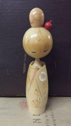 Kokeshi Doll - (by Hajime) Japanese Paper, Vintage Japanese, Japanese Doll, Geisha, Paper Dolls, Art Dolls, Doll Japan, Turning Japanese, Japanese Porcelain