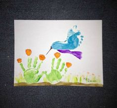 The BEST Hand and Footprint Art Ideas - Handprint Flowers & Footprint Bird….these are adorable Hand & Footprint ideas! Daycare Crafts, Baby Crafts, Crafts To Do, Preschool Crafts, Crafts For Kids, Baby Footprint Crafts, Baby Footprint Art, Daycare Rooms, Toddler Art