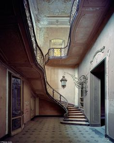 Haunting photos show Italian villas of the and centuries still standing as lustrous ruins Mansions Homes, Abandoned Mansions, Abandoned Buildings, Abandoned Places, Italian Mansion, Italian Villa, Mansion Bedroom, Mansion Interior, French Colonial