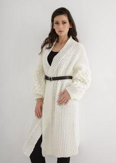 Chunky Cardigan, White Cardigan, Coat Patterns, Knitting Patterns, Mohair Sweater, Cardigan Pattern, Sweater Weather, Mantel, Knitwear
