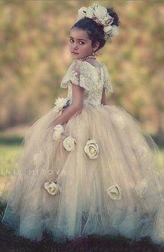 https://www.facebook.com/FashionGlamourmery/photos/pcb.795679837306516/795679483973218/?type=3