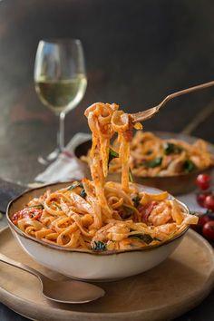 Prawn pasta to celebrate Sauvignon blanc -The Truffle Journal Prawn Recipes, Shellfish Recipes, Seafood Recipes, Pasta Recipes, Cooking Recipes, Healthy Recipes, Seafood Pasta, Cooking Ideas, Healthy Meals