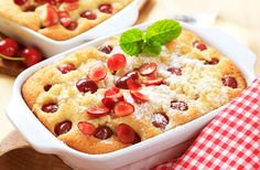 Love baking but hate the clean up? Then you'll love this delicious dump cake recipe that leaves you wanting more and cleaning less. Cocktail Desserts, Fun Desserts, Dessert Recipes, Pie Dessert, Cherry Pineapple Dump Cake, Dump Meals, Dump Cake Recipes, Food Cakes, Let Them Eat Cake