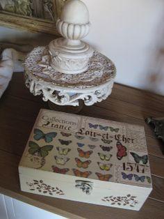 Caja decorada con papel de scrap y estarcidos