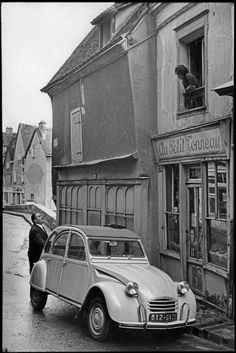 Henri Cartier-Bresson // France - Chartres. 1968.