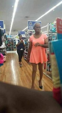 WTF Fashion Fails That You Can't Handle (37 Pics) - FunRare #funnymemes #funnypictures #humor #funnypics #epicfail #haha #funny #lol #wtf #memes