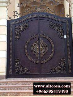 House Main Gates Design, Front Gate Design, Door Gate Design, Metal Garden Gates, Metal Gates, Wrought Iron Gates, Custom Wood Doors, Custom Gates, Iron Front Door