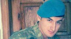 Şehit uzman çavuş Mansur Cansız iki gün önce annesini telefonda 'Çatışmaya girmiyoruz' diye teselli etmiş: MARDİNin Dargeçit İlçesinde PKKlı teröristlerin kontrol noktasına düzenlediği silahlı saldırıda şehit olan uzman çavuş 23 yaşındaki Mansur Cansızın Sakaryanın Kaynarca İlçesindeki baba ocağına ateş düştü.