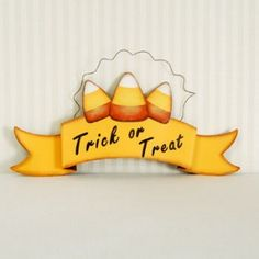 """$11.90 16"""" Cany Corn banner -TRICK OR TREAT"""