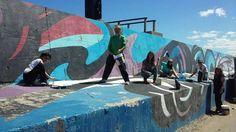 SABADO 12: SEGUNDA RESTAURACION DEL MURAL REFLEJOS DE LA ESCOLLERA SUR   Mañana sábado: Miradas del Puerto 2 En el marco de la segunda Restauración del Mural Reflejos de la Escollera Sur veinte artistas plásticos de notable trayectoria de Necochea y Quequ