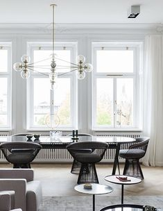 Minimal home with an exclusive look - via Coco Lapine Design blog