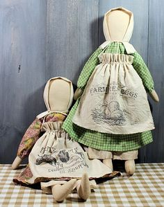 Prairie dolls with printed aprons