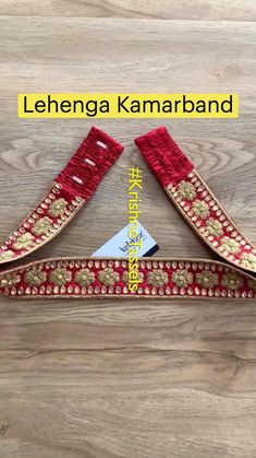 Hand Work Blouse Design, Simple Blouse Designs, Stylish Blouse Design, Blouse Neck Designs, Diy Belt For Dresses, Traditional Blouse Designs, Saree With Belt, Embroidery Neck Designs, Collor