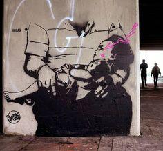 Bogotá // Colombia // september 2016 // #Bogotá #Bogota #Colombia #familyvalues #valoresfamiliares #stencil #estencil #pochoir #schablone #quickpiece #piezarapida #archivo #archive #portrait #retrato #hogar #stinkfish //