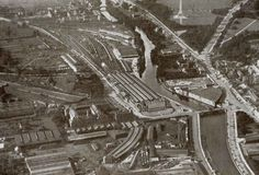 Aerial view of Kingsbridge Station (Heuston Station) 1929 Old Photos, Vintage Photos, Dublin Street, Photo Engraving, School Memories, Dublin Ireland, Aerial View, Historical Photos, Old And New