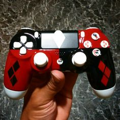 Items similar to Custom [Harley Quinn] New Wireless Controller [Made to Order] on Etsy Manette Xbox One, Margot Robbie Harley, Mundo Dos Games, Ps4 Controller, Custom Harleys, Joker And Harley Quinn, Consoles, Gadget, Cosplay