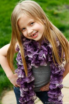 Easy Frilly Knit Scarf -- Sashay yarn makes knitting a cute frilly knit scarf super fast and easy, perfect for beginners!