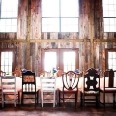 Rustic barn wedding with peacock feathers. LOVE the mismatched chairs! Chic Wedding, Rustic Wedding, Our Wedding, Wedding Venues, Dream Wedding, Peacock Wedding, Wedding Flowers, Peacock Theme, Rustic Elegance