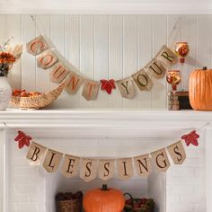 Thanksgiving can be an overwhelming holiday with food preparations and family coming in town. We want to help make the season easier by giving you Your Guide to Great Thanksgiving Decorations, including for the front door, foyer, living room and dining room!