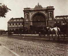Baross tér, Keleti pályaudvar. A felvétel 1894-ben készült.