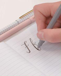 Handwriting Alphabet, Handwriting Styles, Hand Lettering Alphabet, Calligraphy Handwriting, Calligraphy Letters, How To Write Calligraphy, Hand Lettering Styles, Brush Lettering, Lettering Design