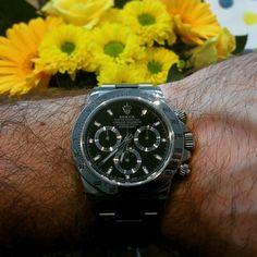 I hope you all had a nice weekend!  #watch #watches #watchlover #watchesofinstagram #rolex #rolexwatch #rolexwatches #rolexdaytona #rolexdaytonasteel #flowers #sunday by marcruef #rolex #daytona #rolexdaytona #watchesformen