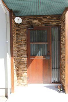 entrance wall