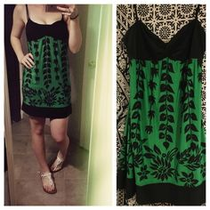 Floral cocktail dress  The collage photo I am wearing a black tank top underneath. Make me an offer! ✂️ Forever 21 Dresses