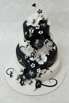 Black and White Wedding Cakes | Roses Valley